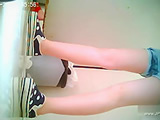 chinese girls go to toilet.10