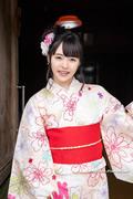 Yuna Ogura 小倉由菜 thumb image 05.jpg