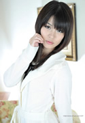 yuna takeuchi  thumb image 01.jpg