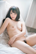 Yuna Ogura 小倉由菜 thumb image 14.jpg