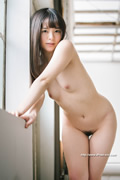 Yuna Ogura 小倉由菜 thumb image 07.jpg